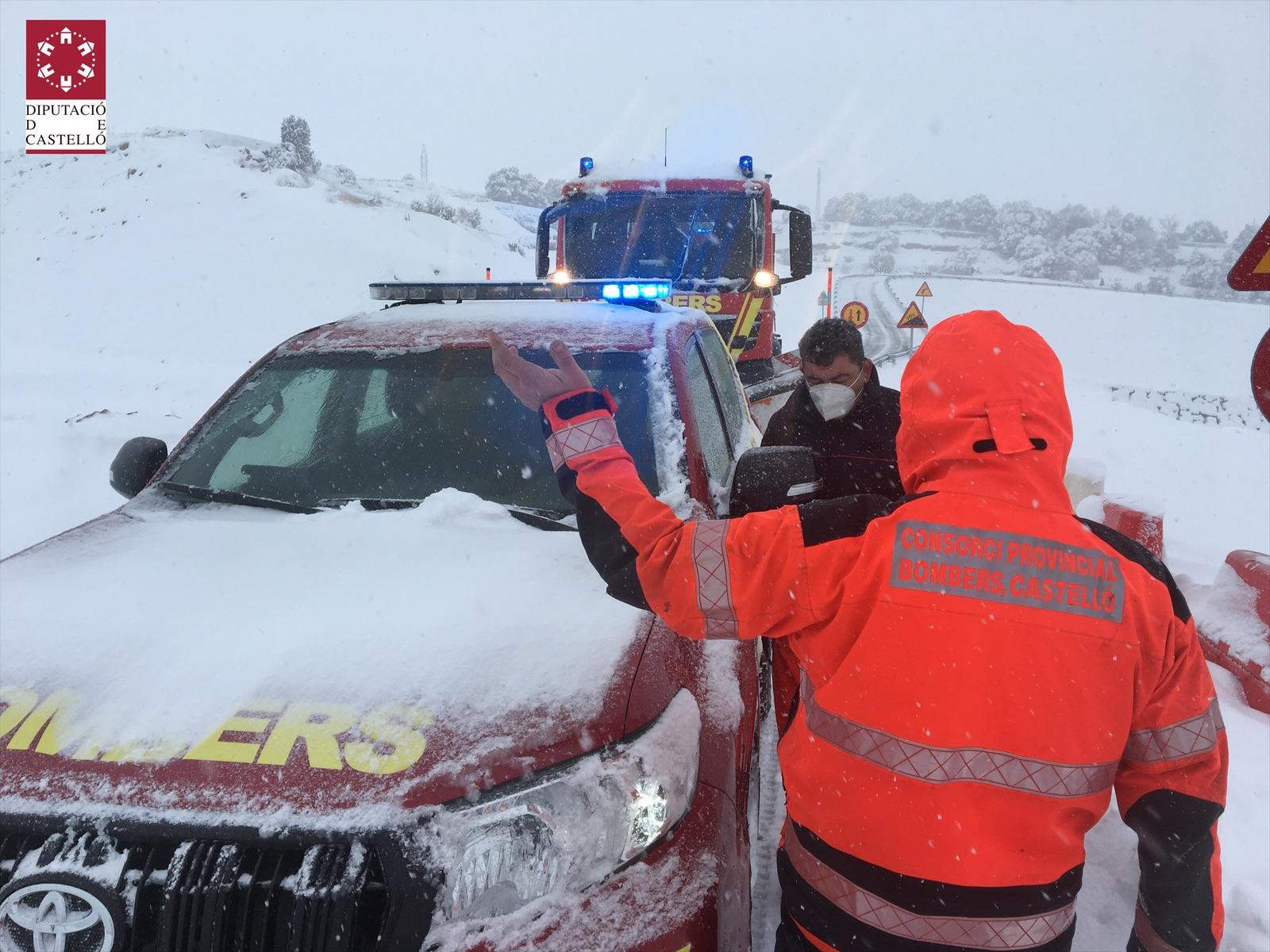 La Diputació alerta de la creació de plaques de gel i desaconsella fer ús del cotxe