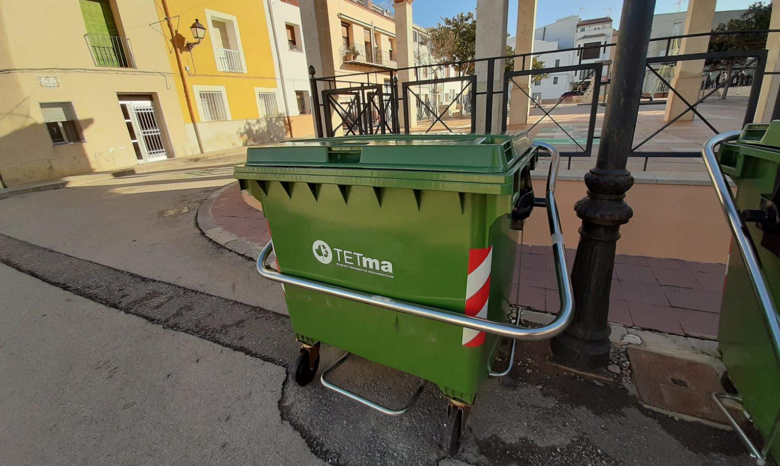 L'Ajuntament de Xert instal·la nous contenidors de recollida de residus amb sistema de pedal