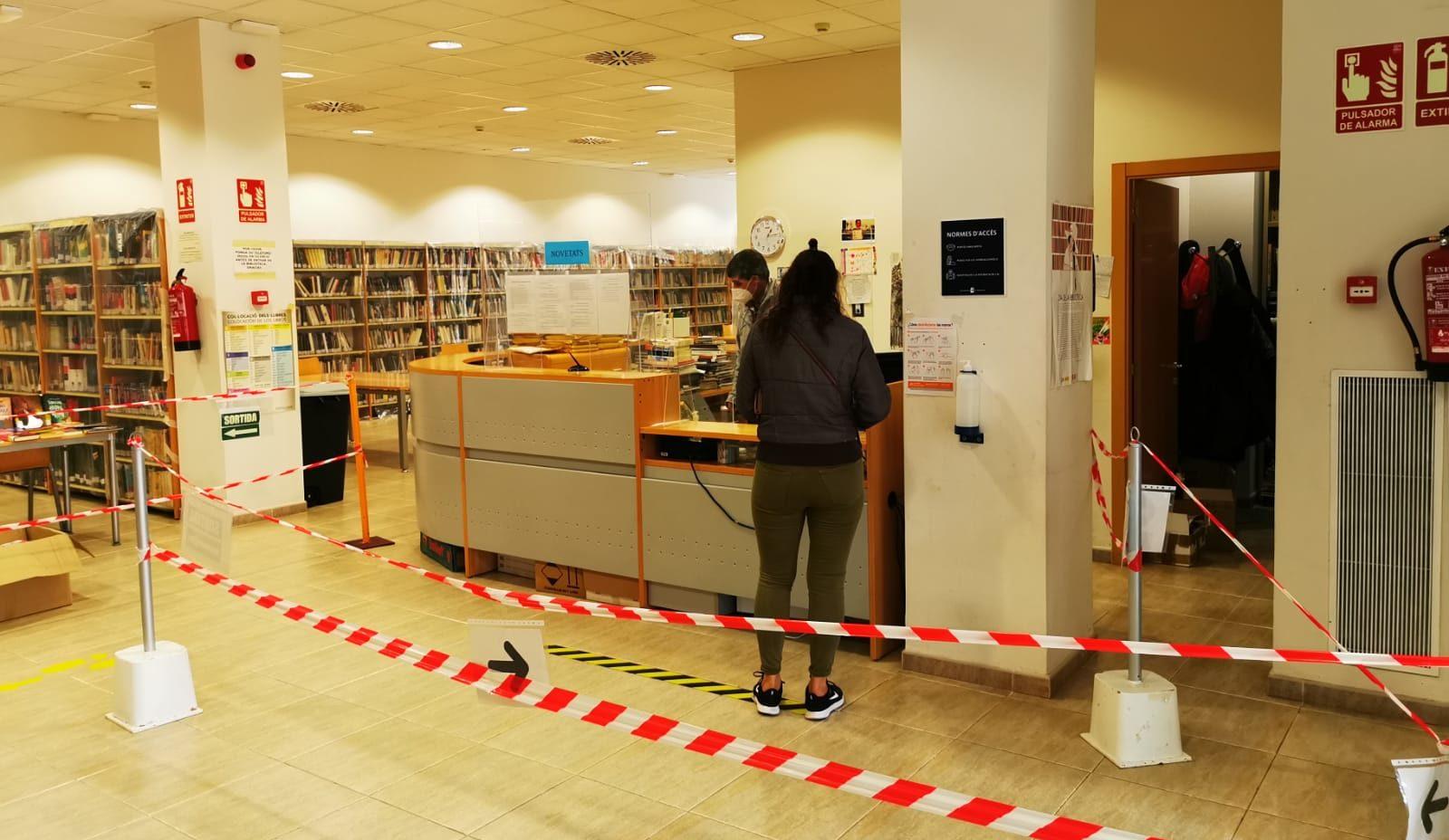 La Biblioteca Manel Garcia Grau de Benicarló torna a obrir per a l'estudi