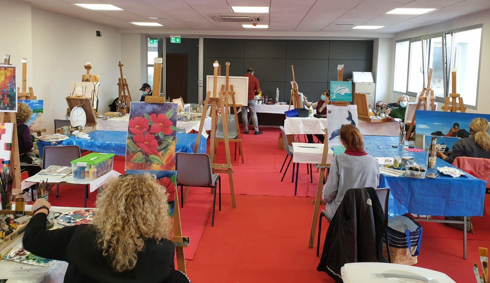 Les classes de dibuix i pintura de Santa Magdalena segueixen avant amb la seua programació