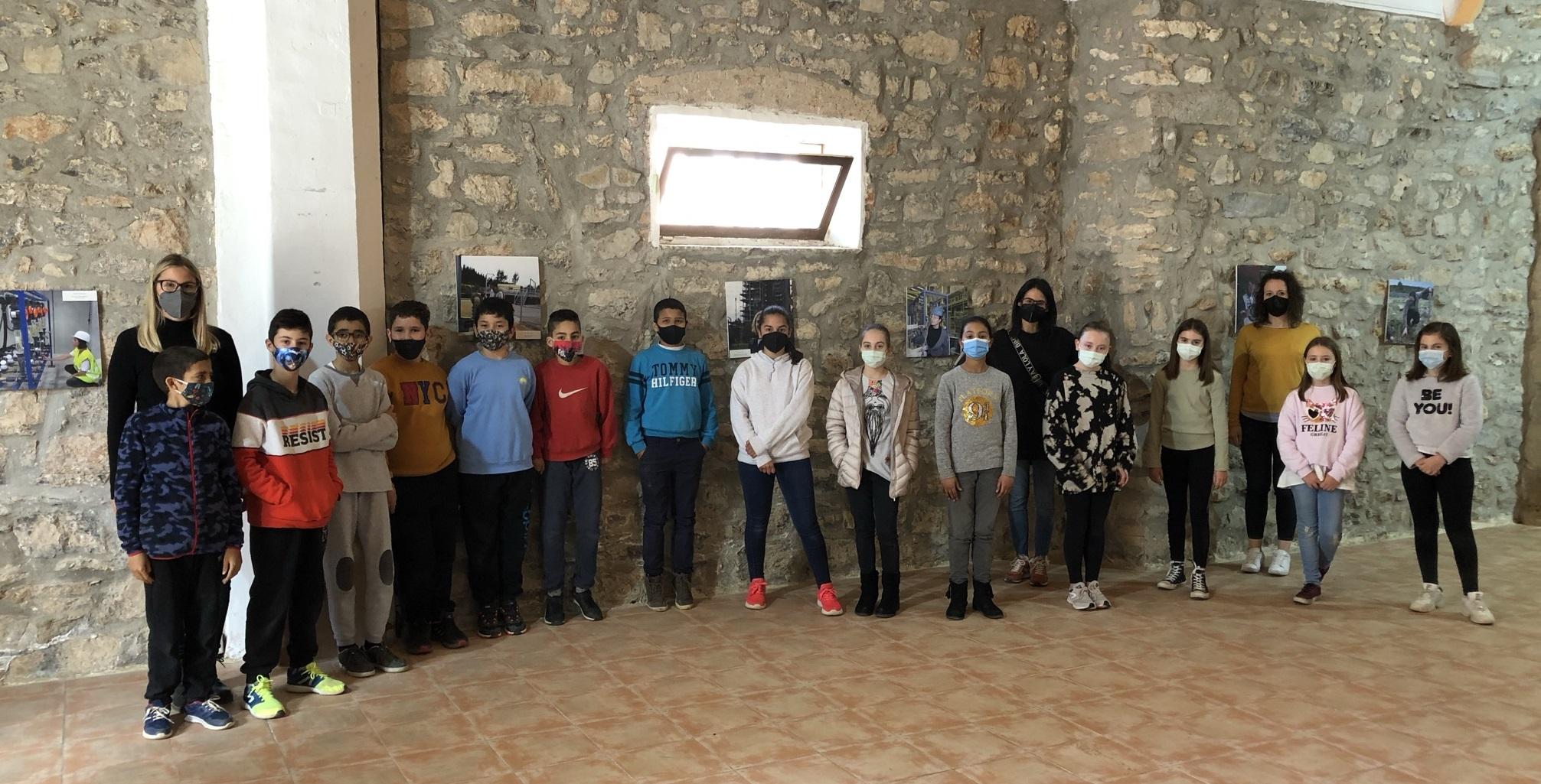 L'alumnat de l'Albert Selma de Santa Magdalena visita l'exposició 'Enginyera…Per què no?'