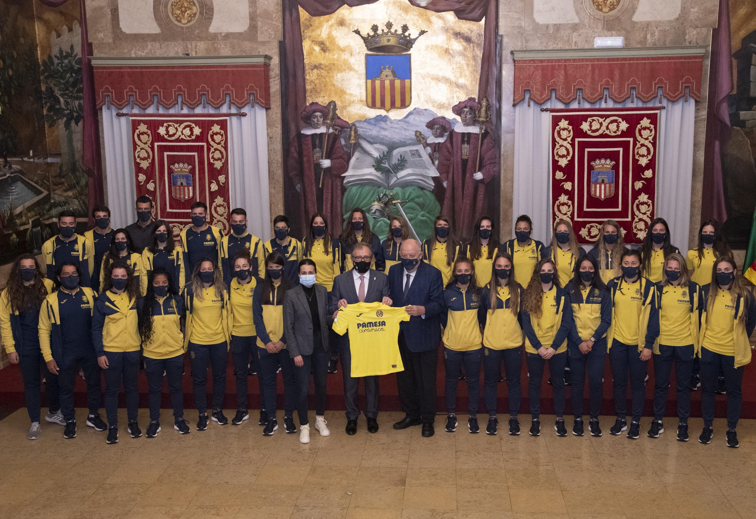 La Diputació rep a l'equip femení del Vila-real C.F. amb motiu de l'ascens a primera divisió
