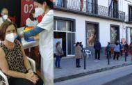 L'alcaldessa de Benicarló rep la primera dosi de la vacuna contra laCovid-19