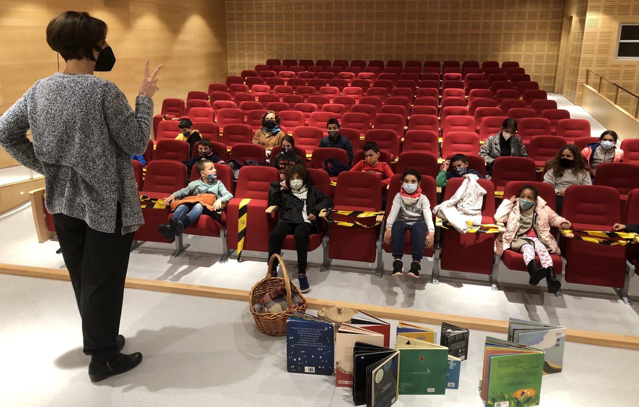 El CEIP Albert Selma de Santa Magdalena celebra el Dia de Llibre amb un contacontes