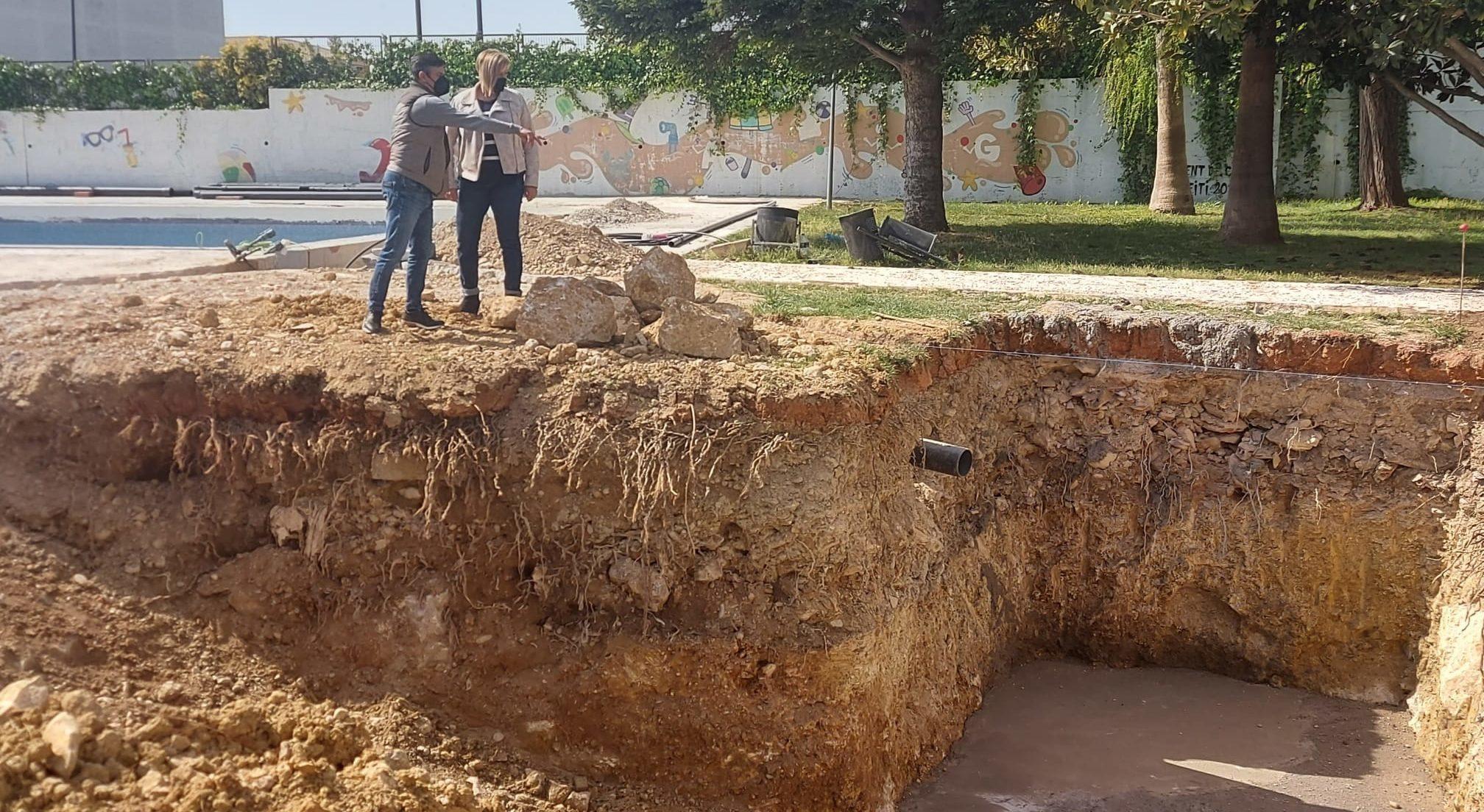 Continuen a bon ritme les obres de la piscina municipal de Càlig