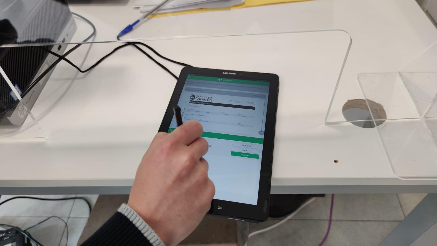 Vinaròs implanta el sistema de firma biomètrica a l'OIAC