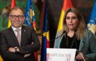 El president José Martí felicita a MartaBarrachina, a la qual ofereix consens i col·laboració