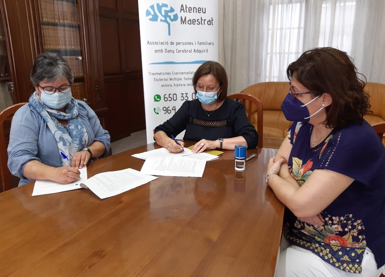 L'alcaldessa firma els convenis anuals amb Ateneu Maestrat iAFABenicarló