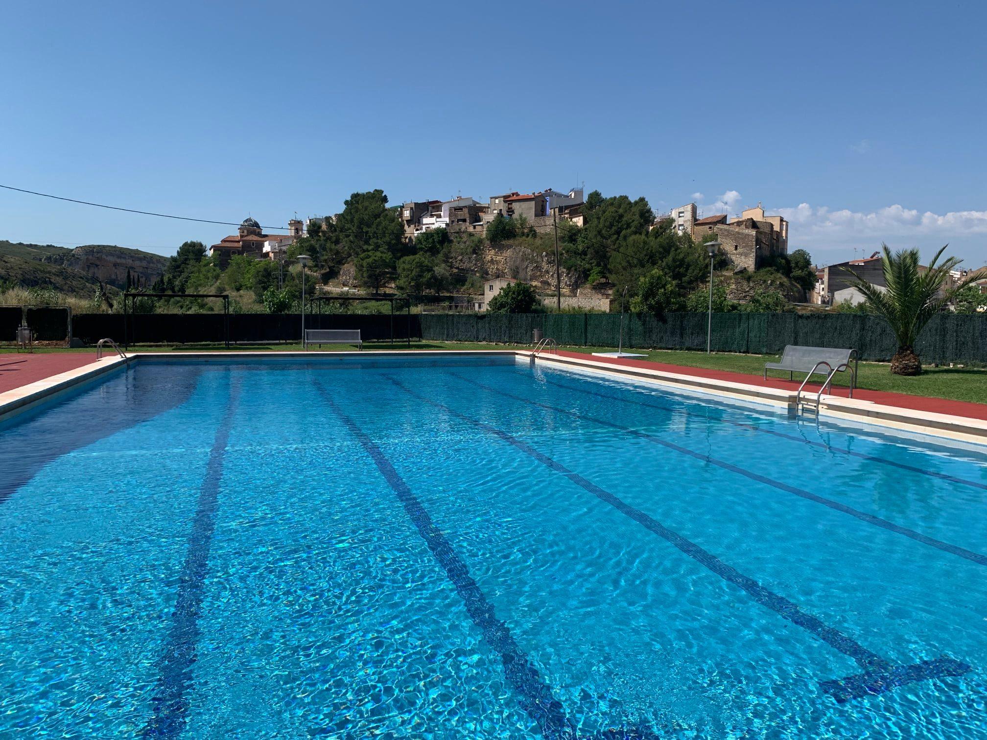 Les Coves augmenta l'ús de les instal·lacions de la piscina després de les millores incorporades