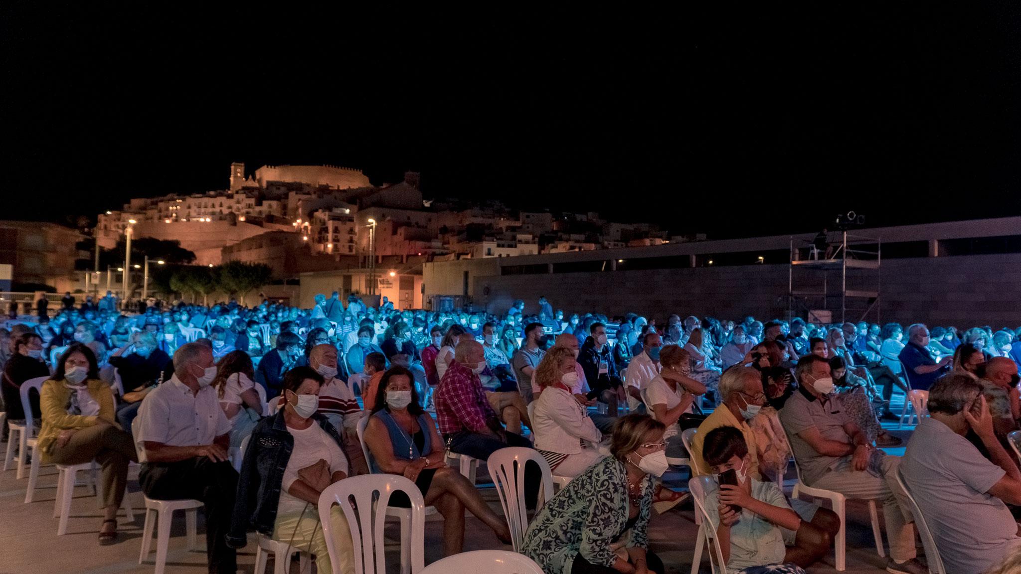 L'espectacle 'Veles e Vents' recapta a Peníscola 1.100 euros a favor de l'AECC