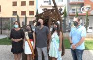 Inauguració de l'escultura 'Un bri d'esperança', de Josep Antoni Garcia Bel, Garci, als Jardins del MUCBE 23-08-2021