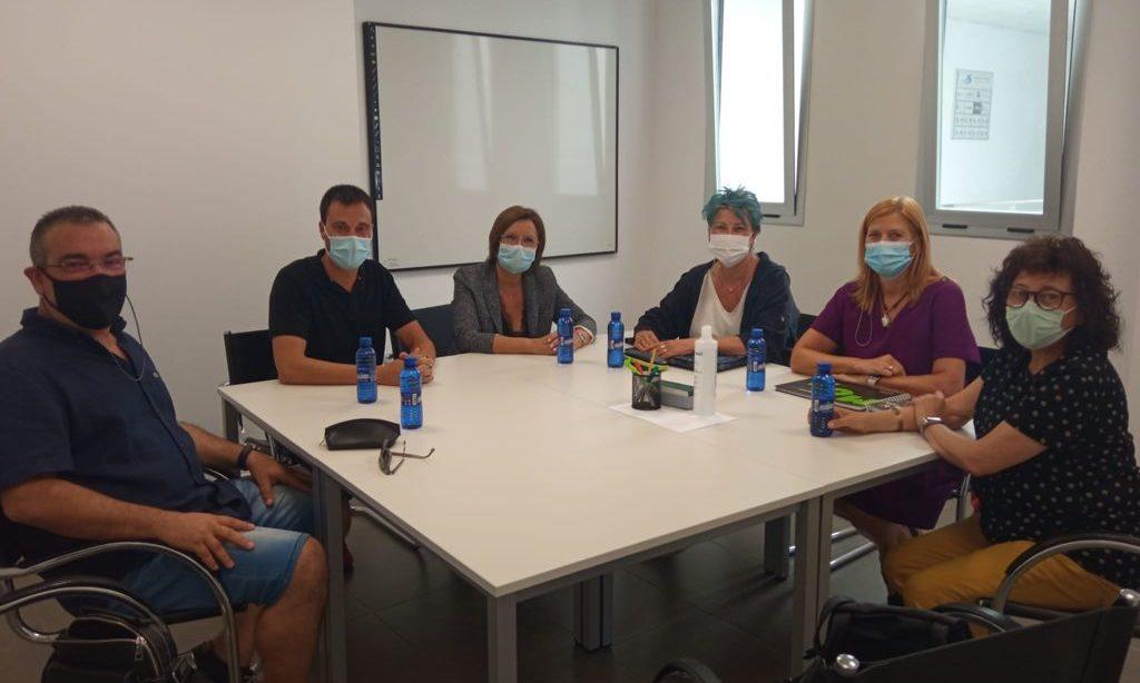 Els equips d'Atenció Primària de Vinaròs i Benicarló es reuneixen amb la directora general Martínez