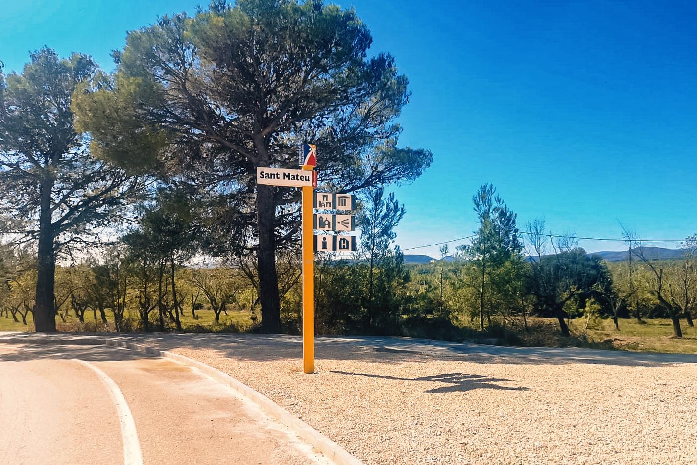 Nou passeig per a vianants a Sant Mateu que millora la seguretat viària i 'dignifica' l'accés nord